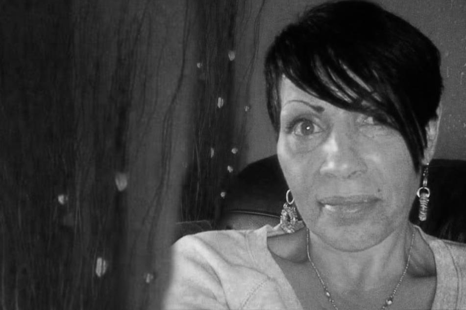 Frau ermordet offenbar Freundin und läuft danach oben ohne durch die Straßen