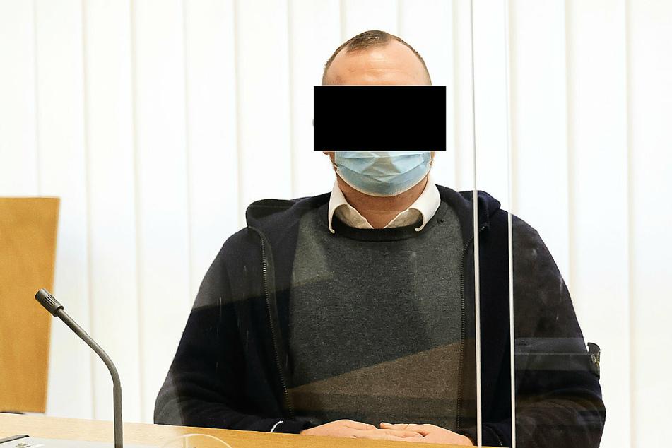Der Angeklagte (30) im Schalom-Prozess wurde zu einem Jahr Freiheitsstrafe ausgesetzt zur Bewährung verurteilt. Das Urteil ist jedoch noch nicht rechtskräftig.