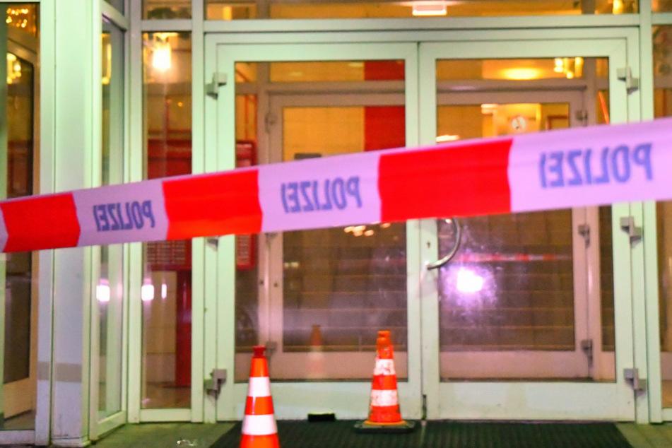 Hamburg: Blutiger Angriff vor Hochhaus: Mann sticht mit Cutter auf Fußgänger ein