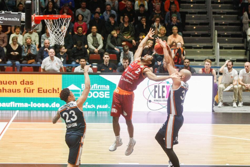 Der Freistaat macht 20 Millionen Euro für den Sport locker. Das Geld kommt auch den Basketballern der Chemnitz Niners zugute.