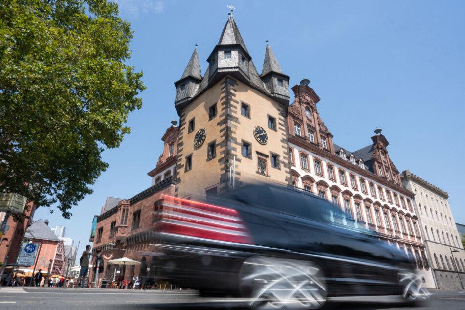 Mainufer-Sperrung in Frankfurt dürfte diesen Sommer enden