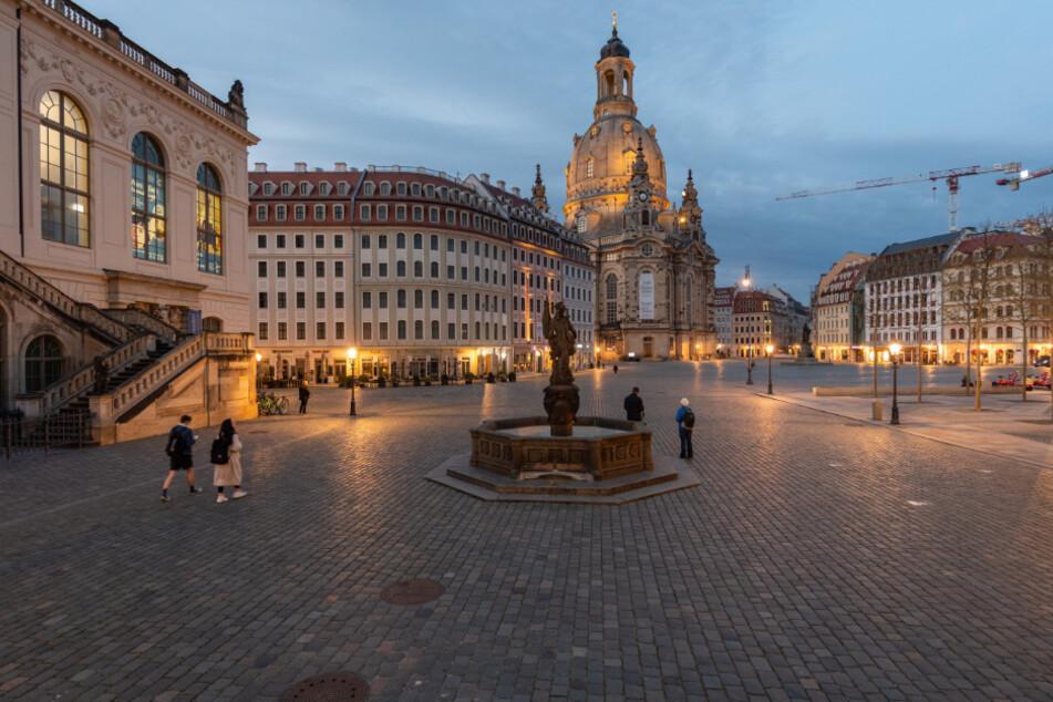 Keine Menschenseele auf dem Dresdner Neumarkt. Die Tourismusbranche trifft das Coronavirus sehr hart.