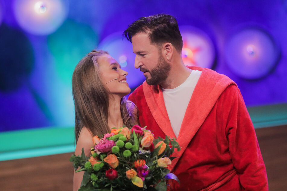 Laura Müller (20) und Michael Wendler (48) sollen nach wie vor glücklich zusammen sein.