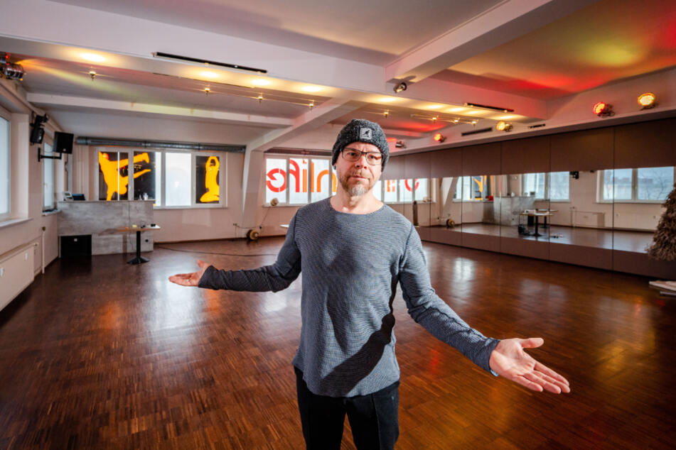 """Kay Gottwaldt (46), Inhaber der Tanzschule """"Passion Life"""", wartet immer noch auf die Novemberhilfe."""
