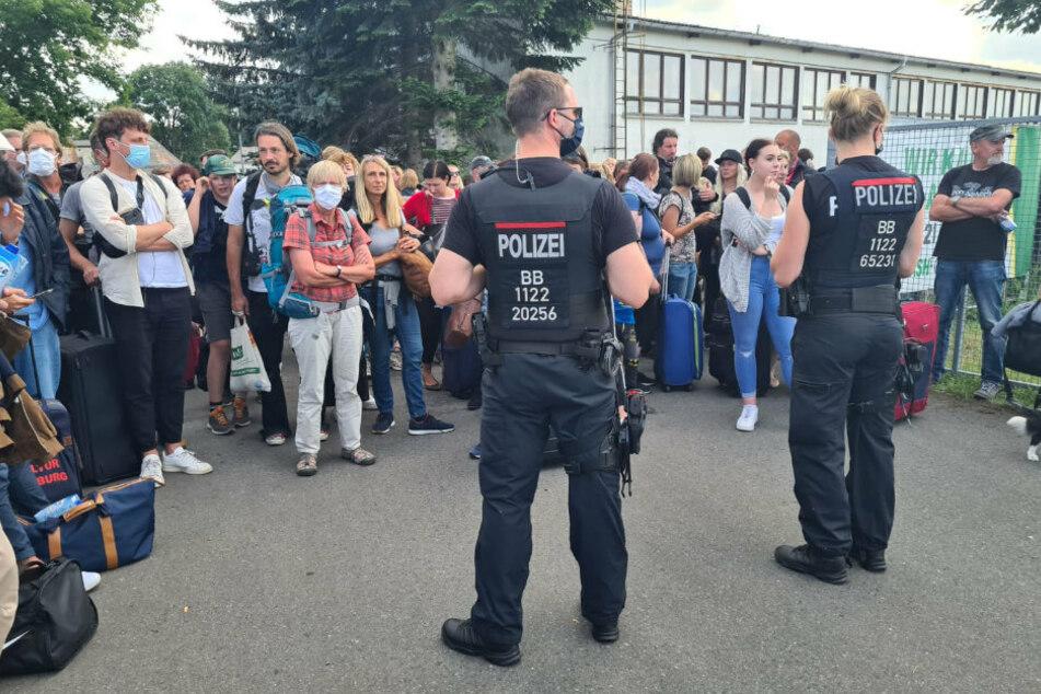 ICE zwischen Berlin und Hamburg geräumt: Spezialeinheit überwältigt Mann
