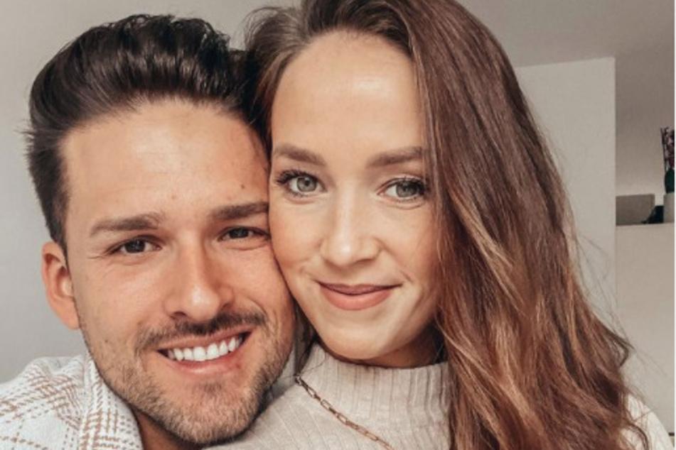 """Ihren Freund Marco Cerullo (32) lernte die Pharmareferentin 2019 bei ihrer Teilnahme an der RTL-Kuppelshow """"Bachelor in Paradise"""" kennen und lieben."""