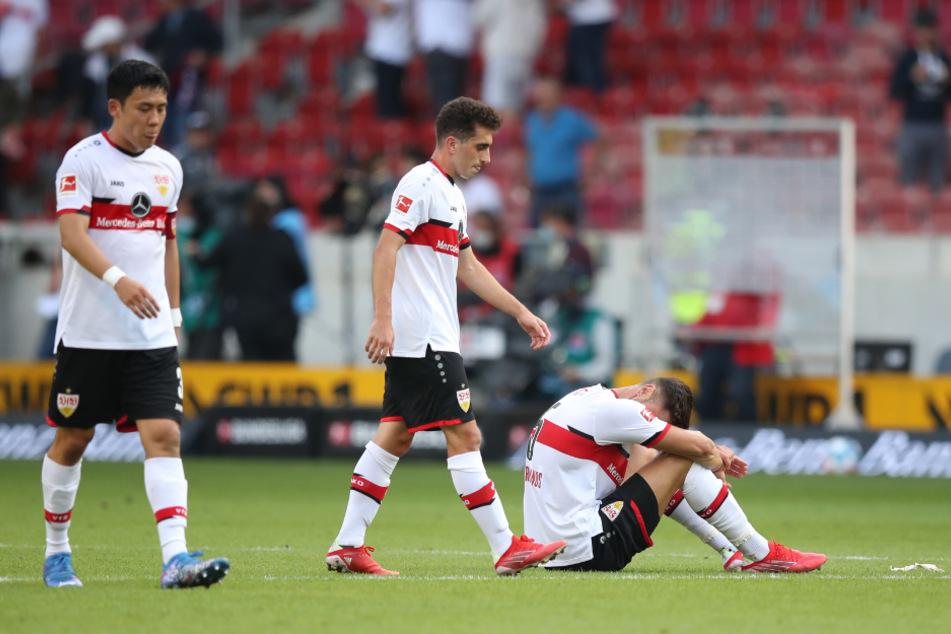 Vor allem wegen individueller Fehler macht sich der VfB derzeit das Leben schwer. Wataru Endo (28, l.) und Konstantinos Mavropanos (23, r.) waren gegen Leverkusen die Unglücksraben.