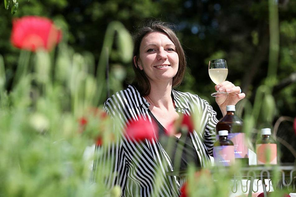 """""""Wildkräuter to go"""" - wohl bekomm's: Suse Brand (36) brennt für das antike Heilmittel Sauerhonig."""