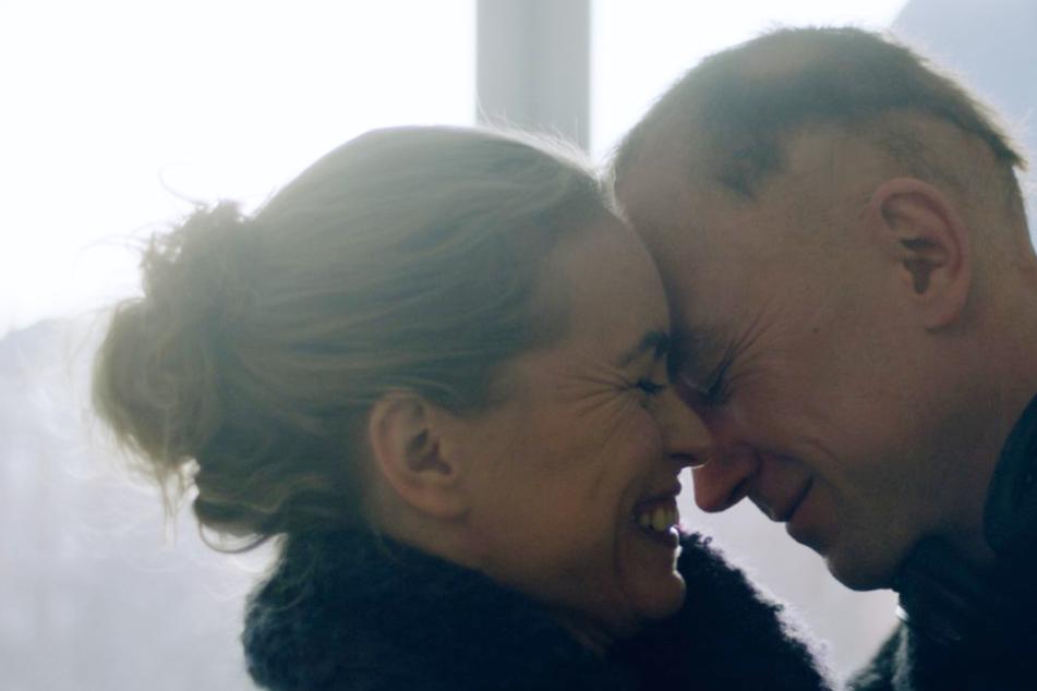 Lisa (Nina Hoss) gefährdet für das Wohlergehen ihres Bruders Sven (Lars Eidinger) sogar ihre Ehe.