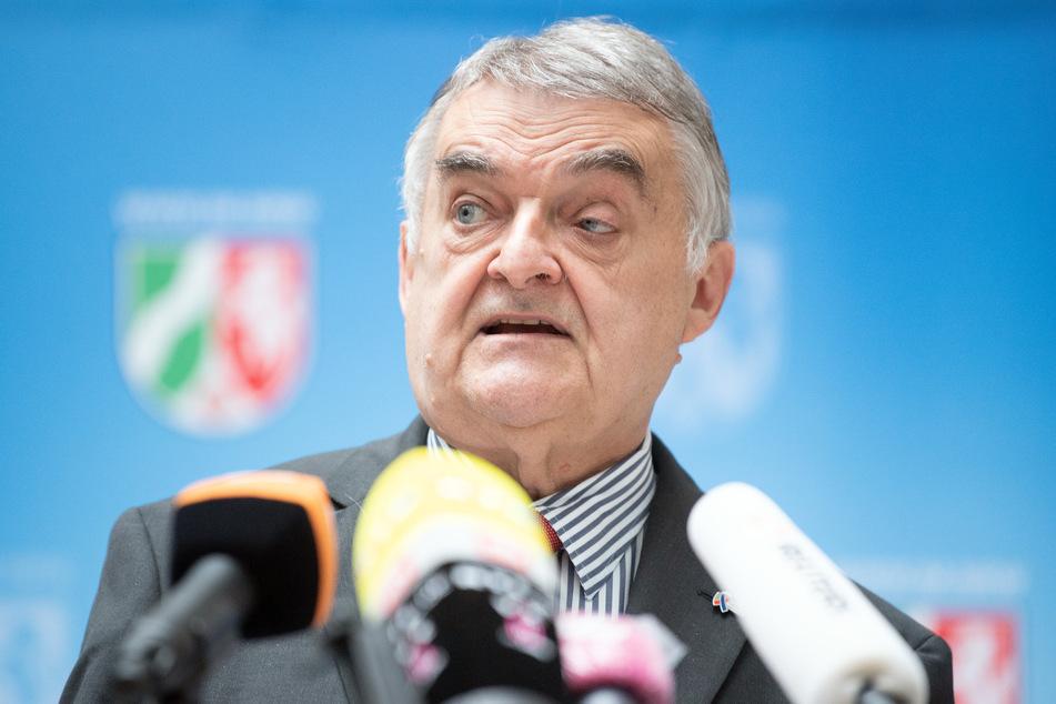 NRW-Innenminister Reul will Studie zu Extremismus bei Polizei