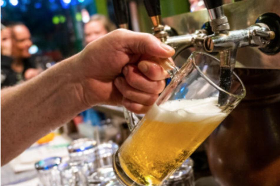 Bier im Lockdown: Brauereien verlängern nachträglich Mindesthaltbarkeit für Fässer