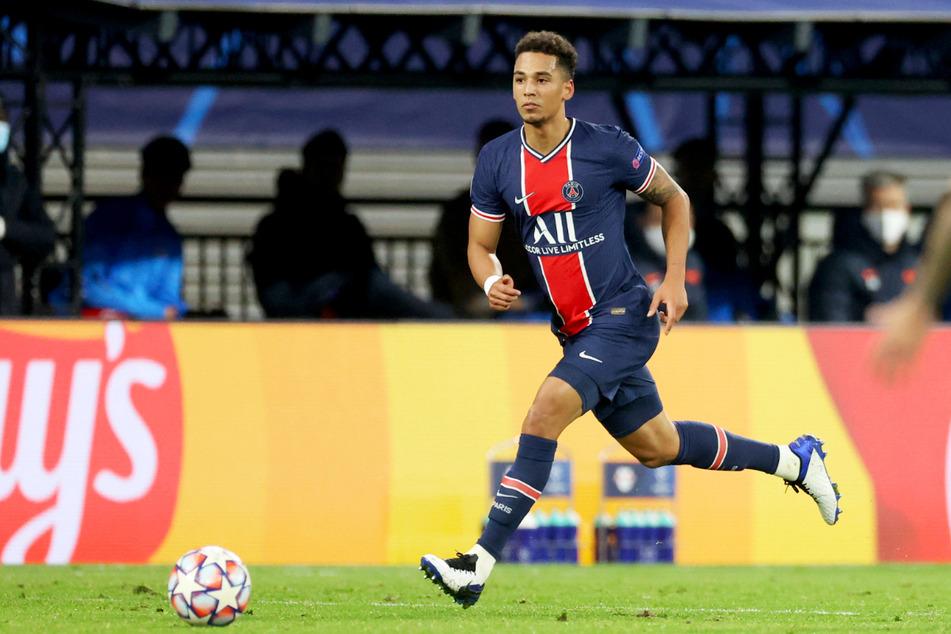 Thilo Kehrer (24) vom FC Paris Saint-Germain wurde via Twitter auf widerliche Weise beschimpft und bedroht.