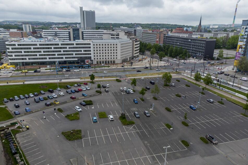 Der große Parkplatz an der Johanniskirche ist bald Geschichte. Vorbei ist ab Dienstag auch das kostenlose Parken in der Innenstadt.