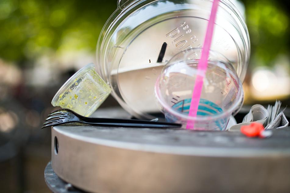 """Sind """"Bio-Kunststoffe"""" am Ende auch nicht besser als Einwegplastik?"""