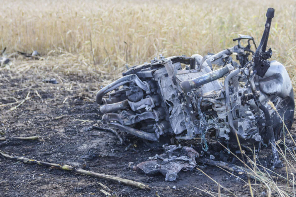 Horror-Unfall: Biker stirbt bei Frontalcrash, zwei Menschen in Auto verletzt