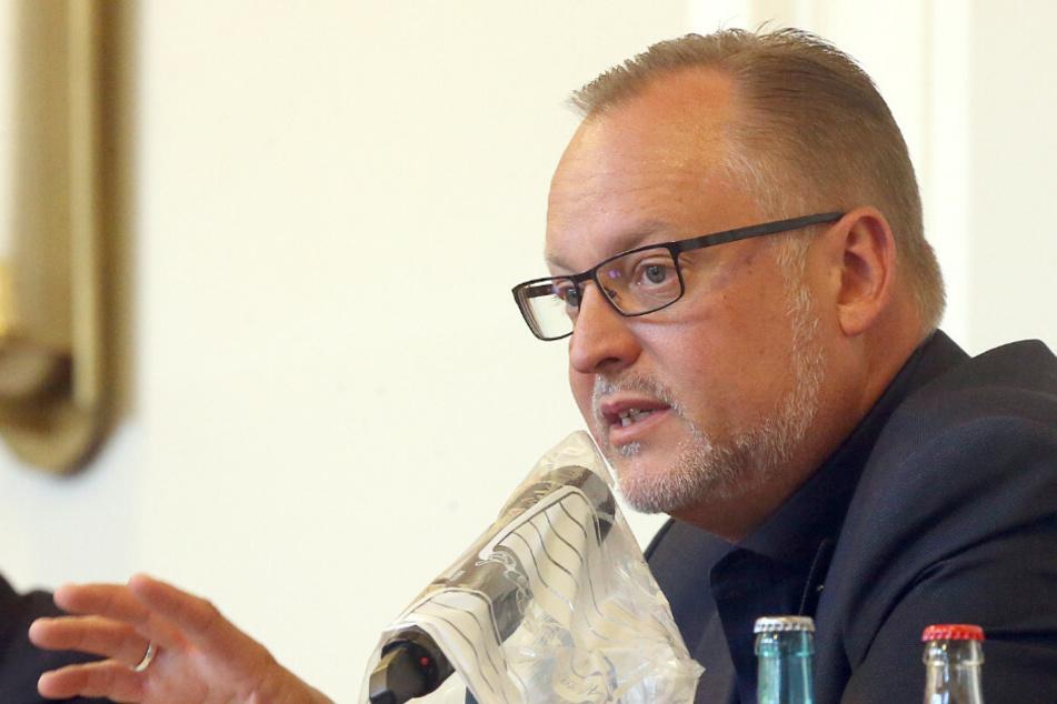"Berlin-Neuköllns Gesundheitsstadtrat Falko Liecke (47, CDU) befürchtet ""Schlimmes"" durch das Kippen der Sperrstunde."
