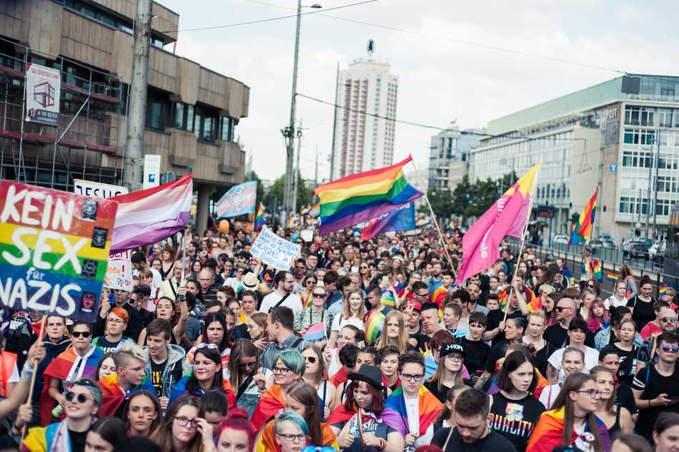 Tausende von Menschen demonstrieren jedes Jahr am CSD in Leipzig.