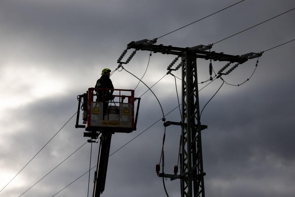 """Sturmtief """"Klaus"""" kappt Stromversorgung und reißt mehrere Bäume in Thüringen aus"""