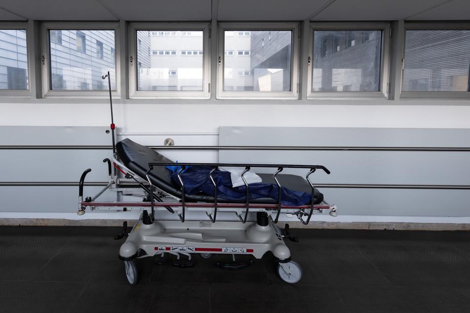 Die EU-Kommission sagte bereits am 20.5.: Die EU-Staaten sollen in der Corona-Krise massiv Geld in ihre Gesundheitssysteme und den Erhalt von Jobs stecken, selbst wenn das tiefe Löcher in die Staatshaushalte reißt.