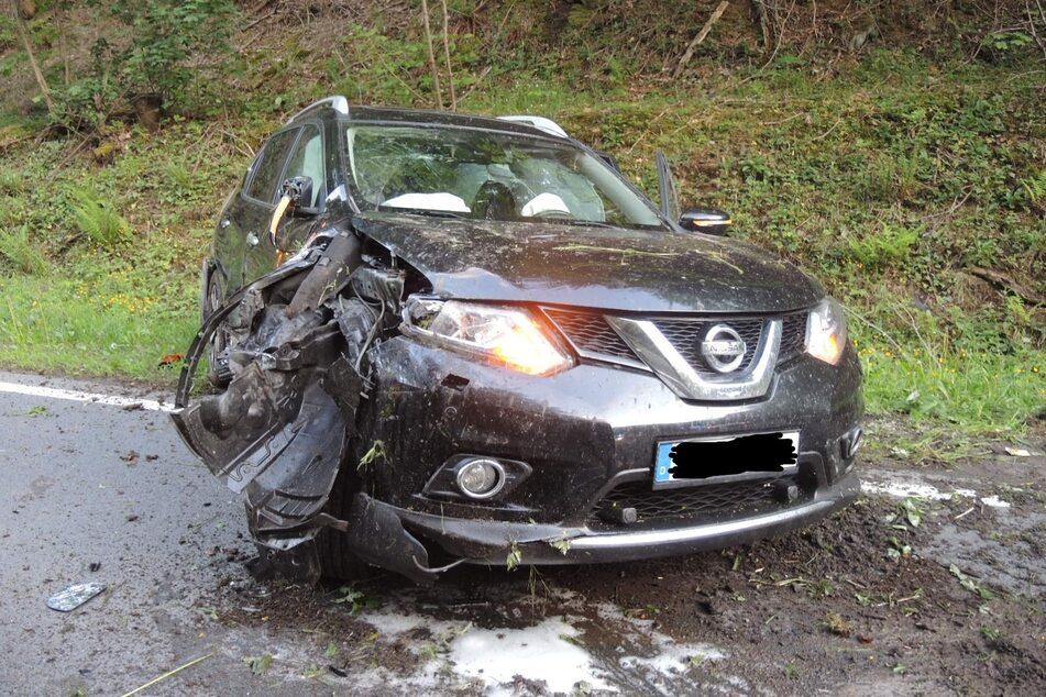 Mit den Kindern an Bord: Betrunkener Autofahrer baut Unfall