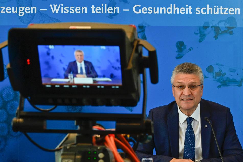 Der Leiter des deutschen Robert-Koch-Instituts (RKI), Lothar Wieler, spricht auf einer Pressekonfernz zur aktuellen Corona-Lage in Deutschland.