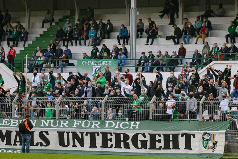 Bis zu 1600 Zuschauer werden Chemie Leipzigs erstes Testspiel gegen den 1. FC Zeitz am Samstagnachmittag live im Alfred-Kunze-Sportpark verfolgen. (Archivbild)