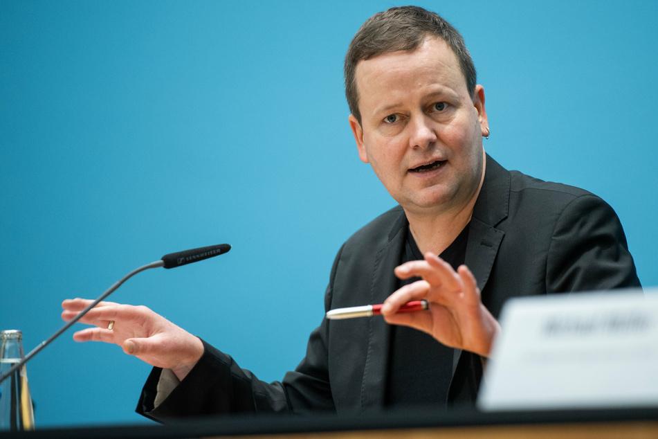 Klaus Lederer (46, Linke), Vorsitzender der Kulturministerkonferenz, verkündete die Kulturhauptstadt-Entscheidung.