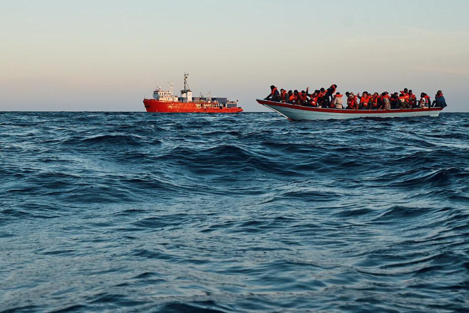 """Vier Rettungen innerhalb von zwei Tagen: """"Sea-Eye 4"""" nimmt 230 Menschen auf"""