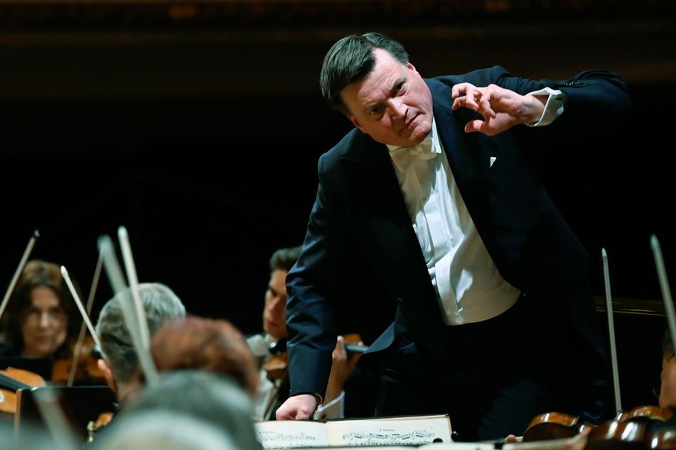 Christian Thielemann (62) und die Staatskapelle jüngst beim 10. Symphoniekonzert mit Strauss-Werken. Mit dem Programm und weiteren Stücken gastieren Dirigent und Orchester Samstag und Sonntag in Wien.