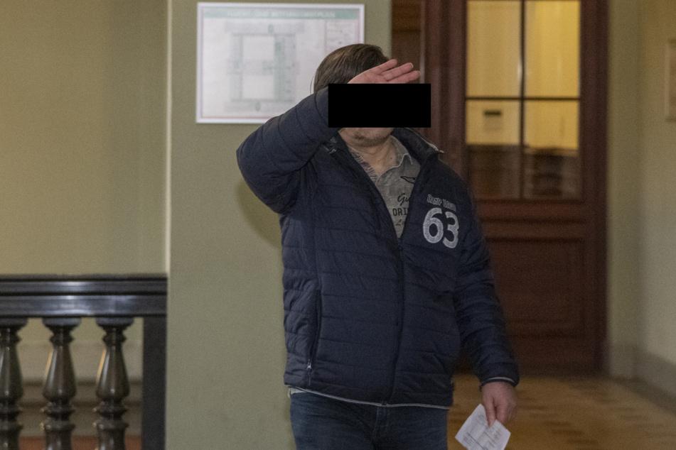 Uwe M. (53) bestreitet, die betroffene Mitarbeiterin geohrfeigt zu haben.
