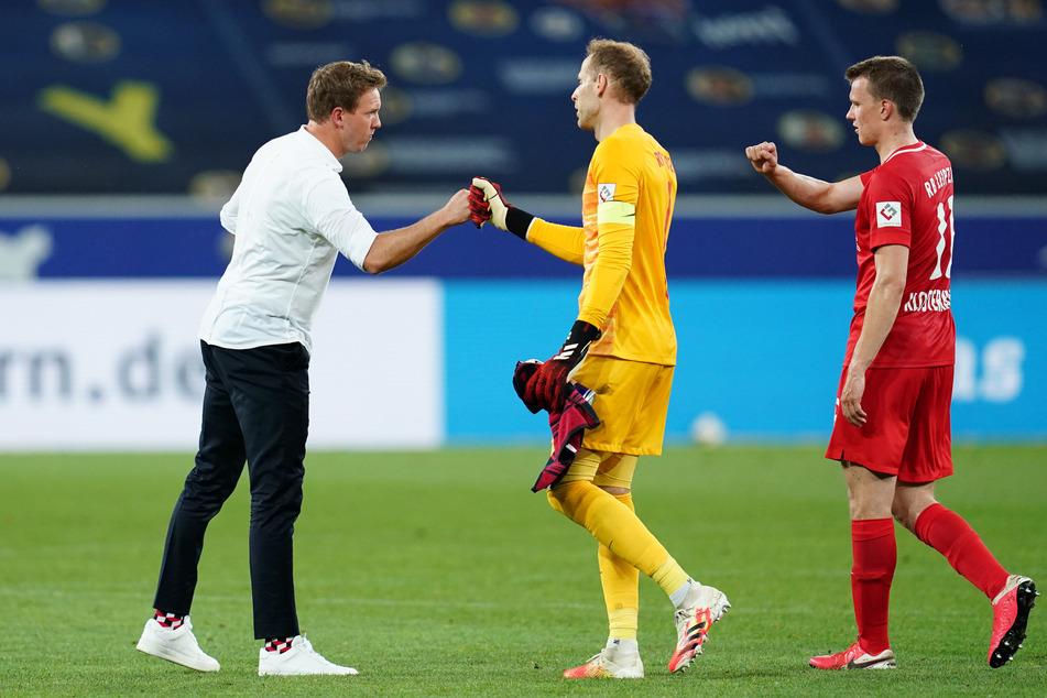 Bei seinem Ex-Verein Hoffenheim fuhr RB Leipzigs Trainer Julian Nagelsmann (32, l.) den zehnten Auswärtssieg der Saison ein.