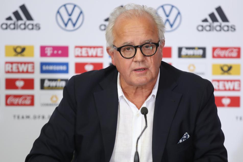 DFB-Präsident Fritz Keller (63) bei einer Pressekonferenz.