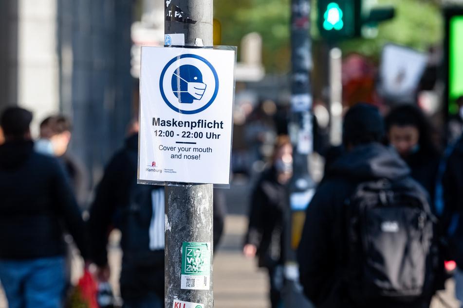 An einigen Orten innerhalb Hamburgs gilt neuerdings eine verschärfte Maskenpflicht.