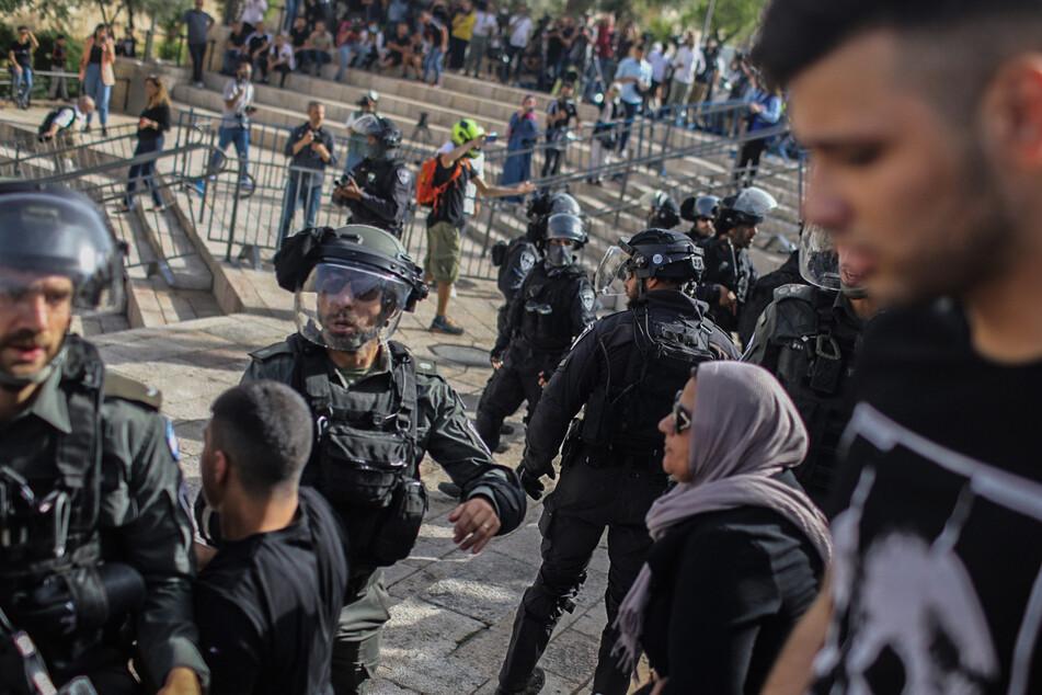 Brand bei Ausschreitungen auf Tempelberg in Jerusalem ausgebrochen