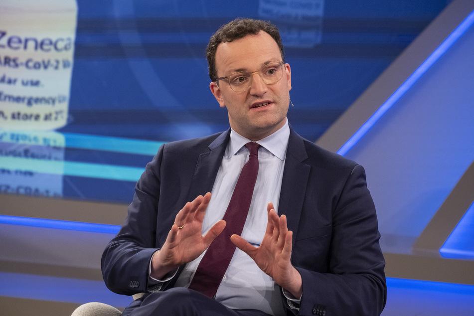 """Dieses vom WDR zur Verfügung gestellte Foto zeigt Bundesgesundheitsminister Jens Spahn (40, CDU) während der ARD-Sendung """"Maischberger""""."""