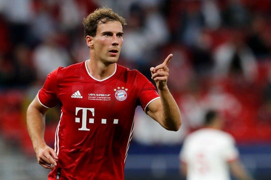 Fußball-Nationalspieler Leon Goretzka (26) bleibt bis 2026 beim FC Bayern München unter Vertrag.