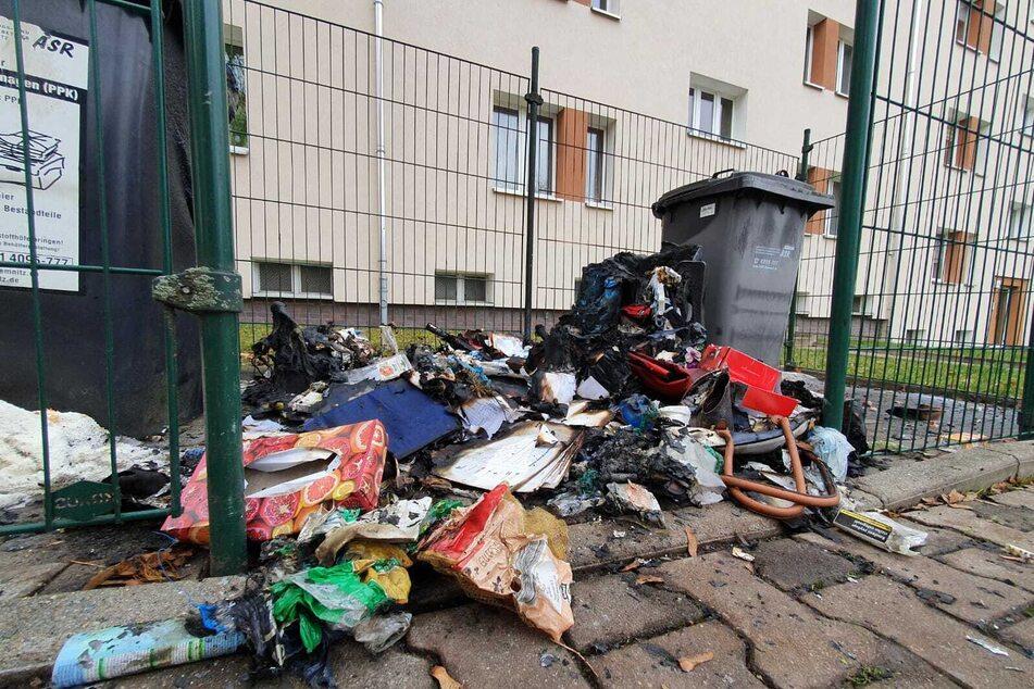 Schon wieder! Mehrere Mülltonnen in Chemnitz abgefackelt