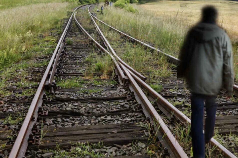 Leipzig: Gefährlicher Streich: Jugendliche legen Eisenstange auf Bahngleise