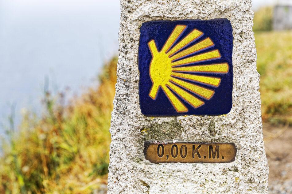 Dieser letzte Kilometerstein zeigt: Die Jakobspilger haben es geschafft.
