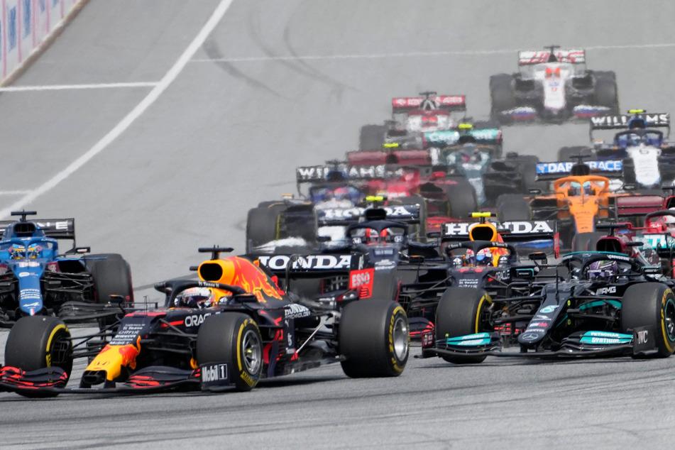 Formel 1: Start-Ziel-Sieg für Verstappen, Vorsprung auf Hamilton wächst