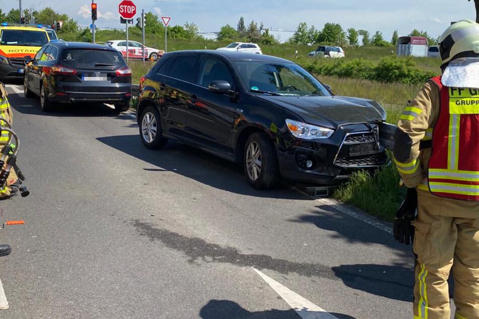 Der Fahrer war von seiner Spur abgekommen und dann mit der Leitplanke kollidiert, wo sein Wagen schließlich zum Stehen kam.