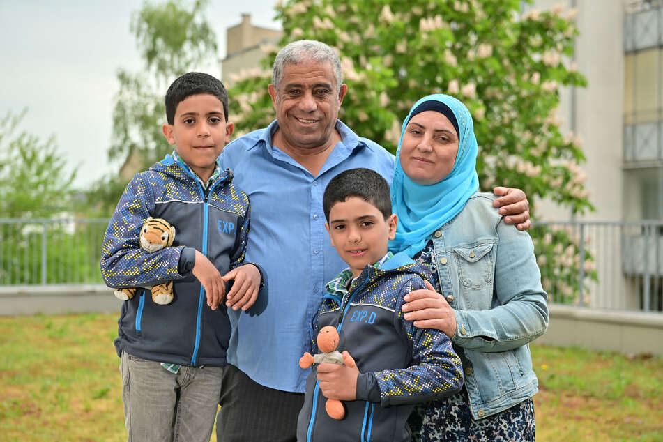 Naji El-Ali (56), seine Ehefrau Ekhlas Al-Ajami (45) sowie die Söhne Adam (7) und Khaled (9) leben gern in Chemnitz.