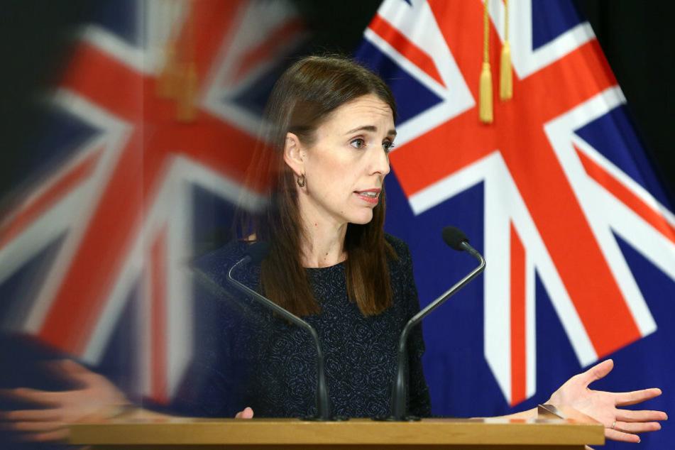 Neuseeland, Wellington: Jacinda Ardern, Premierministerin von Neuseeland, spricht während einer Pressekonferenz.