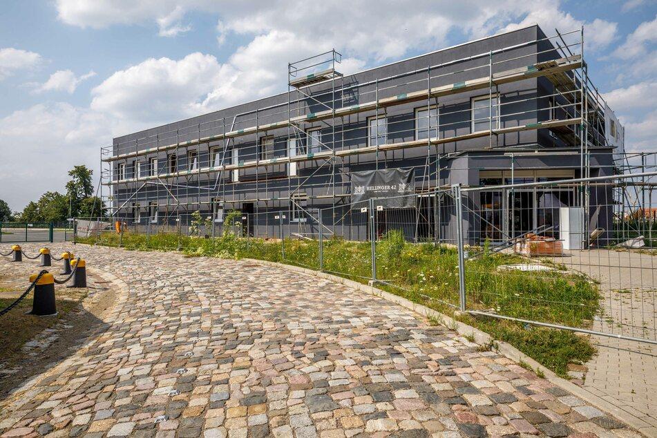 """Die """"Dresdner Whisky Manufaktur"""" im Alberthafen. Hier wird ab September der """"Hellinger"""" gebrannt - und Musik produziert."""