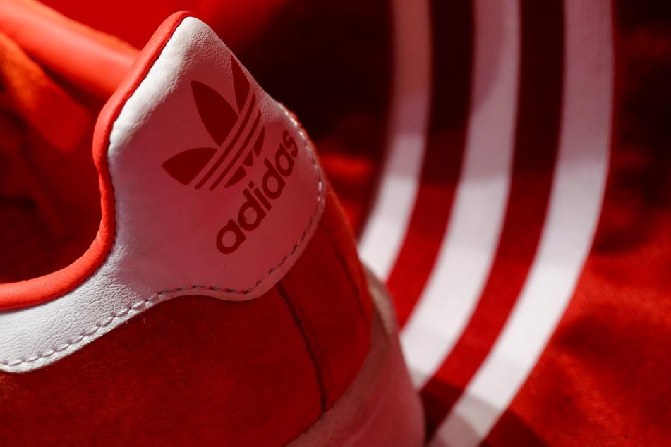 Bei Adidas brach der Umsatz aufgrund der Corona-Pandemie ein.