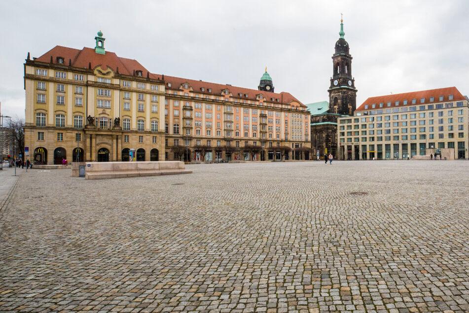 Dresden: Kundgebung auf dem Altmarkt: Mehrere Verstöße gegen die Corona-Verordnung