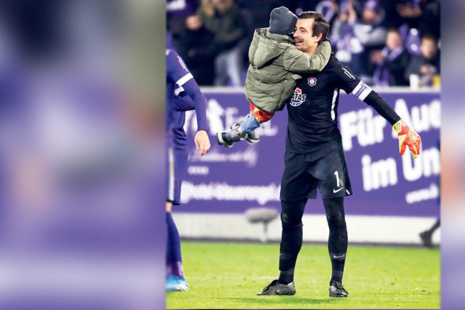 Sohnemann Anton hatte mit Papa Martin in dieser Saison schon viel Grund zur Freude.