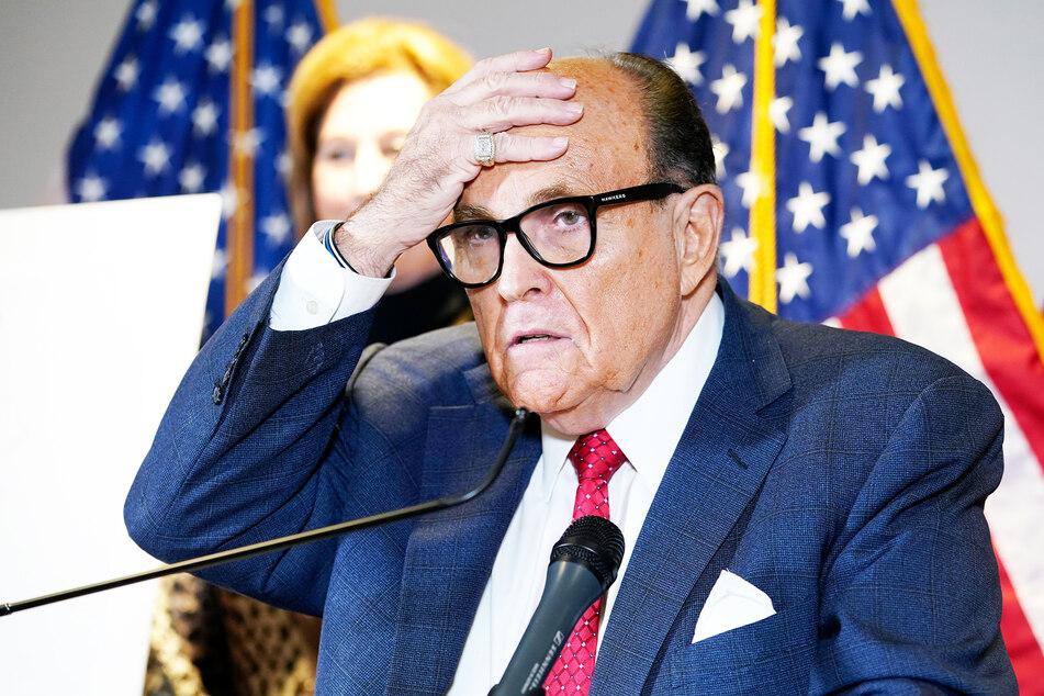 Rudy Giuliani (76), ehemaliger Bürgermeister von New York und ein Anwalt des ehemaligen US-Präsidenten Donald Trump (74).