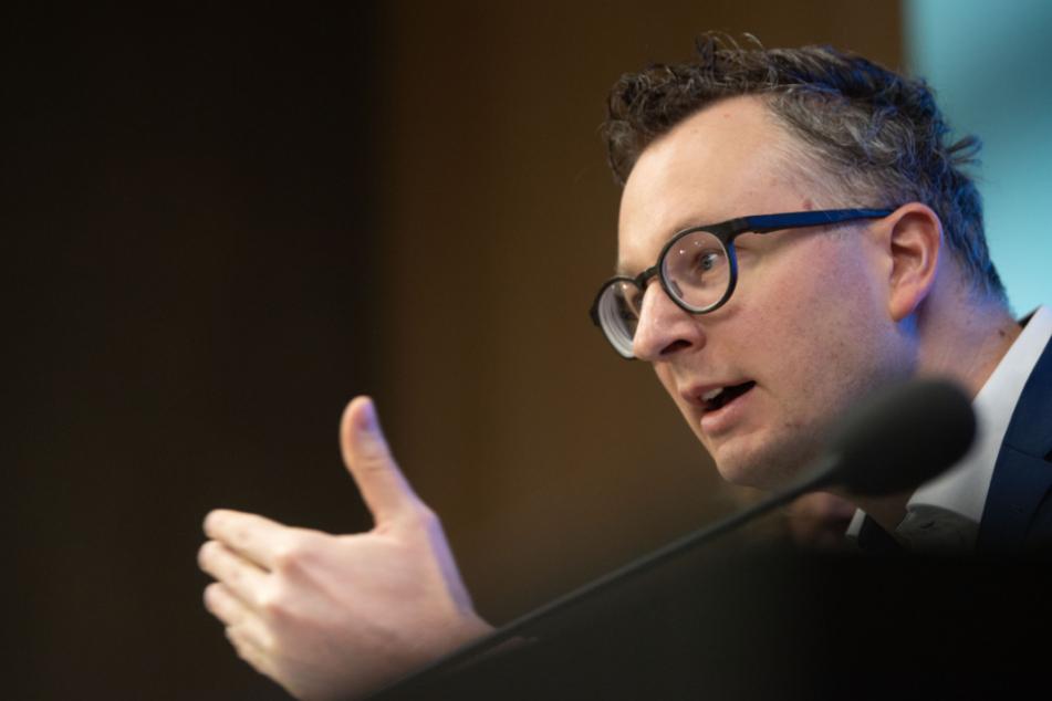 Stuttgart: Grünen-Fraktionschef fordert klare Regeln für Unterricht