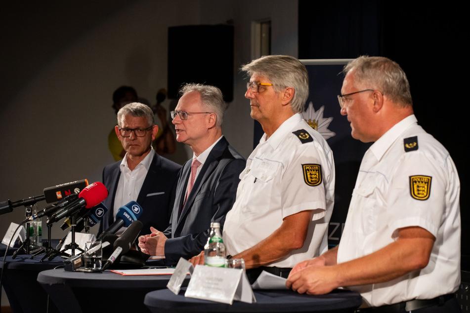 Oppenau, am Freitagabend (v.l.): Uwe Gaiser, Herwig Schäfer, Reinhard Renter und Jürgen Rieger während einer Pressekonferenz.